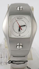 photo of vintage-seiko-7N32-0AY0-front view sm
