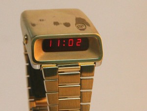 GP-Girard-Perregaux-LED-gold-1